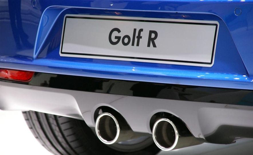 2010 Volkswagen Golf R - Slide 13