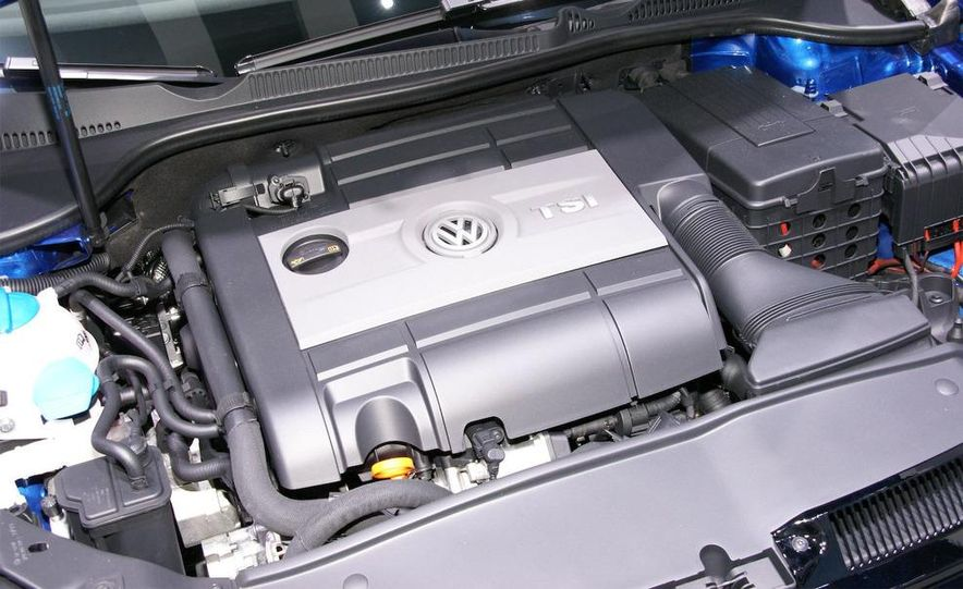 2010 Volkswagen Golf R - Slide 15