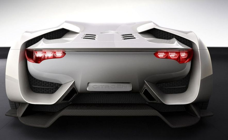 2011 Aston Martin Rapide - Slide 36