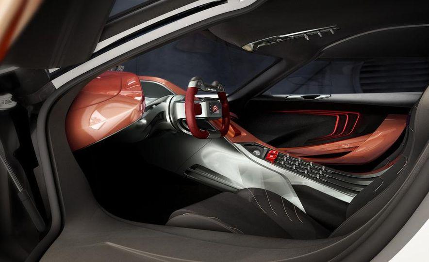 2011 Aston Martin Rapide - Slide 40