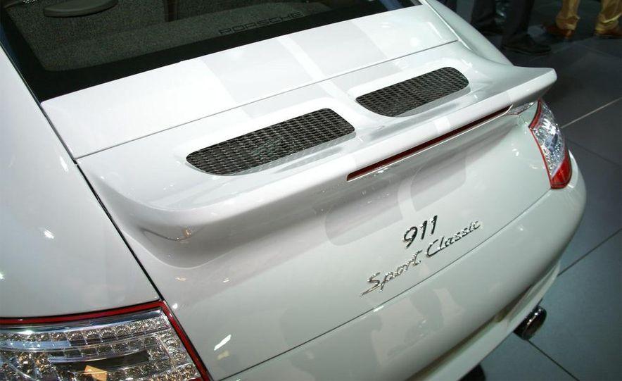 2011 Aston Martin Rapide - Slide 89