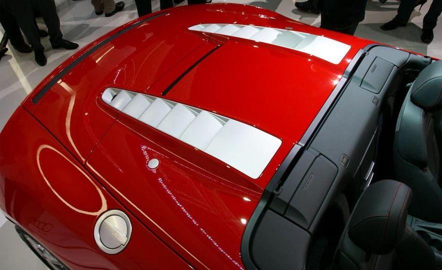 2011 Aston Martin Rapide - Slide 20