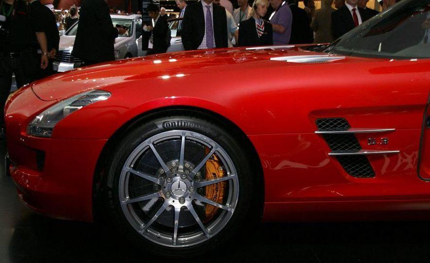 2011 Aston Martin Rapide - Slide 69