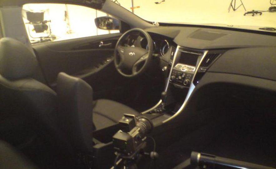 2011 Hyundai Sonata - Slide 33