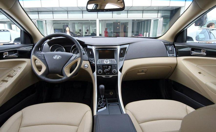 2011 Hyundai Sonata - Slide 21
