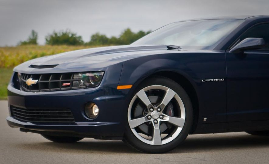 2010 Chevrolet Camaro SS automatic - Slide 19