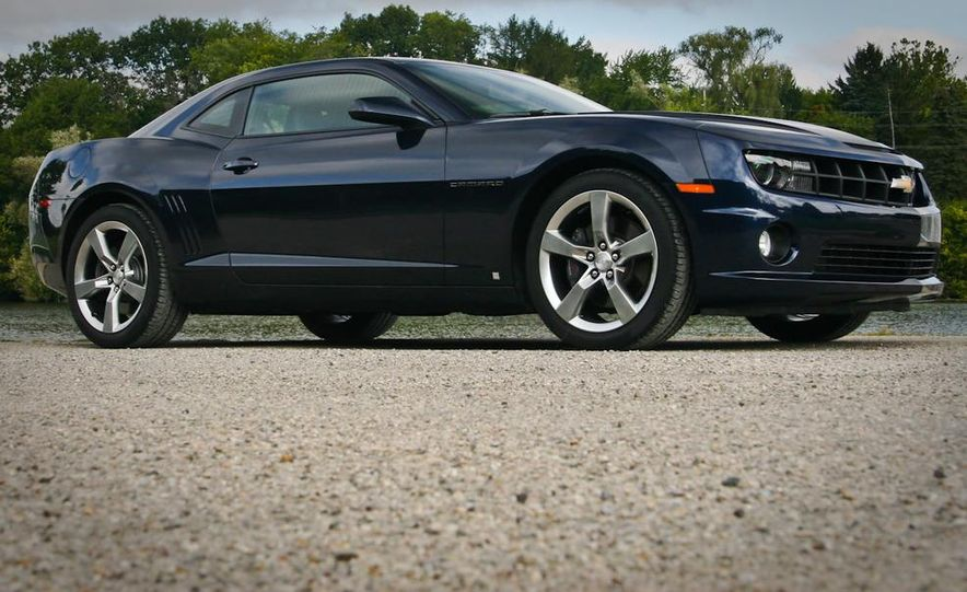 2010 Chevrolet Camaro SS automatic - Slide 6