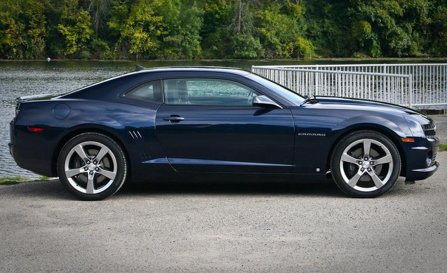 2010 Chevrolet Camaro SS automatic - Slide 7
