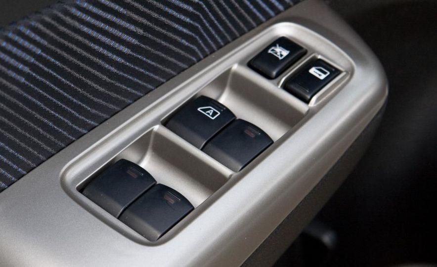2009 Subaru Forester 2.5X - Slide 28
