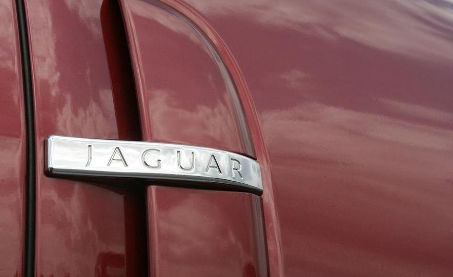 2009 Jaguar XF Supercharged - Slide 11