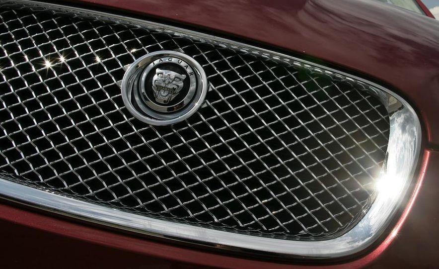 2009 Jaguar XF Supercharged - Slide 12
