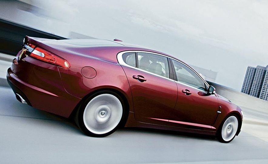 2009 Jaguar XF Supercharged - Slide 6