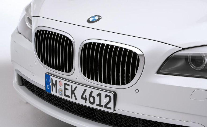 2010 BMW 760Li - Slide 24