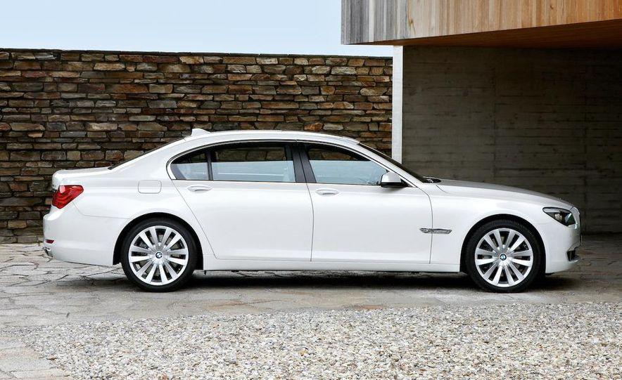 2010 BMW 760Li - Slide 11