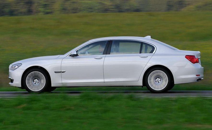 2010 BMW 760Li - Slide 12