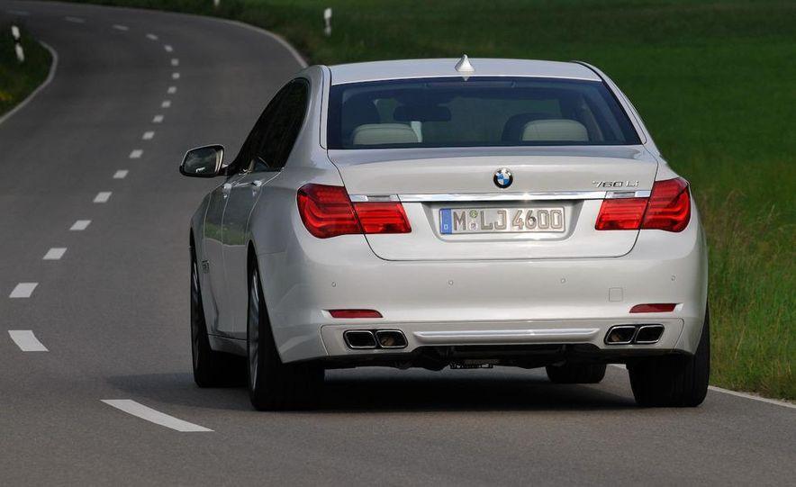 2010 BMW 760Li - Slide 14
