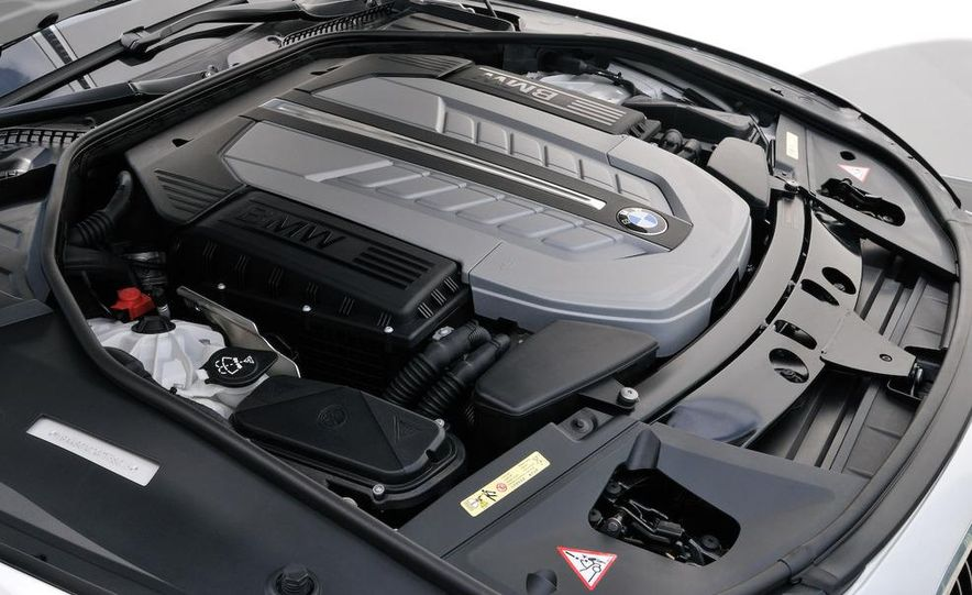 2010 BMW 760Li - Slide 29