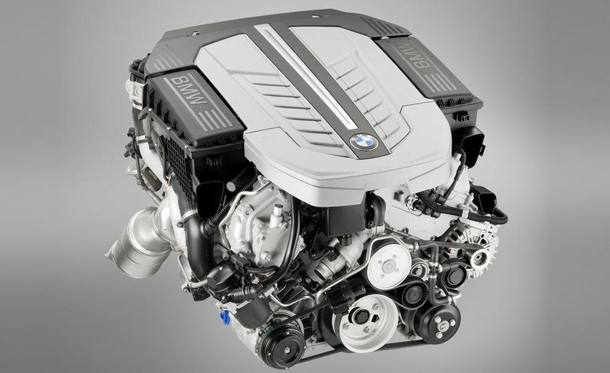 2010 BMW 760Li - Slide 28