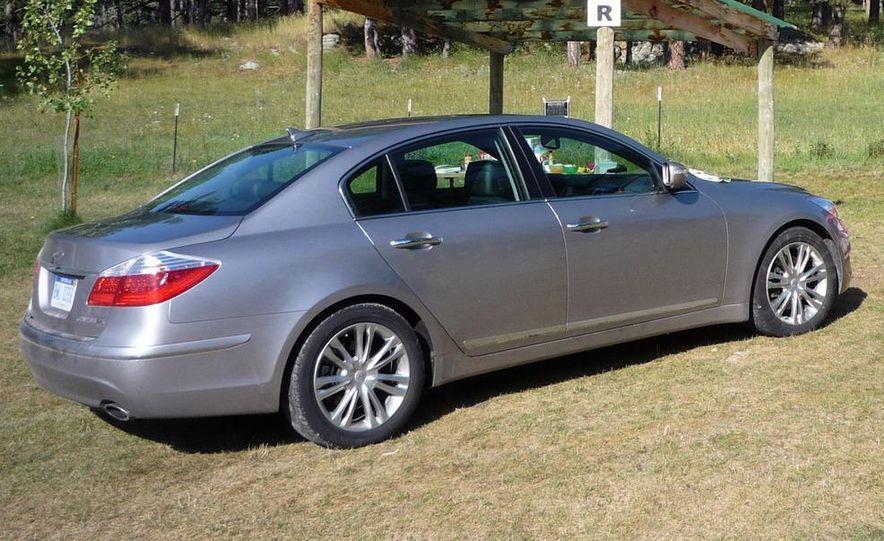2009 Hyundai Genesis 4.6 - Slide 5