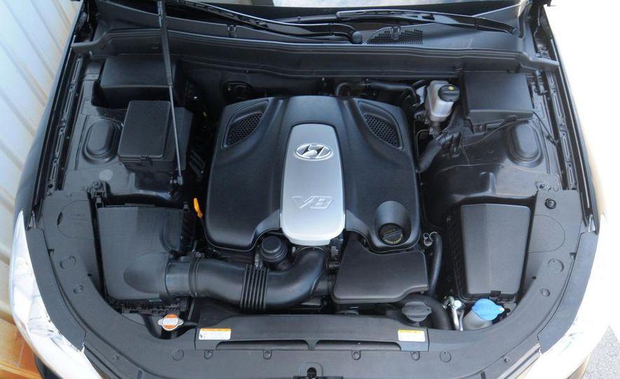 2009 Hyundai Genesis 4.6 - Slide 24