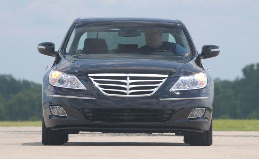 2009 Hyundai Genesis 4.6 - Slide 7