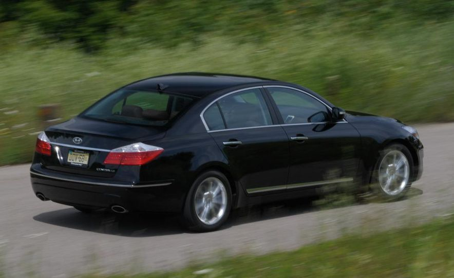 2009 Hyundai Genesis 4.6 - Slide 14