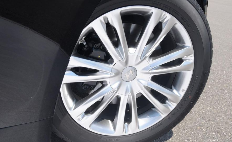 2009 Hyundai Genesis 4.6 - Slide 21