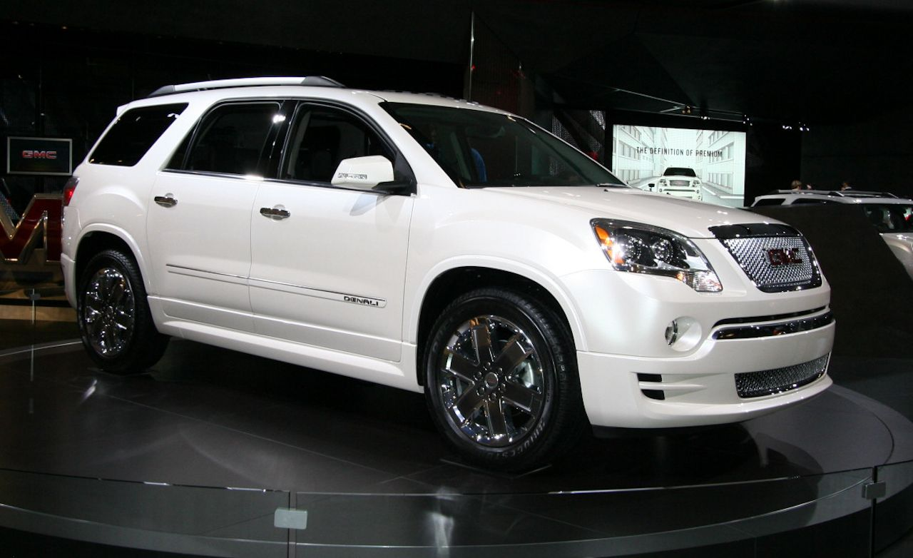 Gmc Acadia Reviews Price Photos And Specs Car Driver