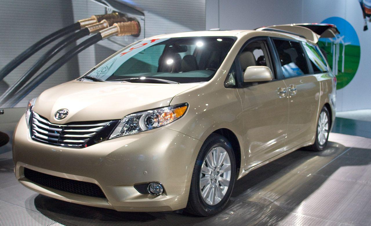 Toyota Sienna Reviews  Toyota Sienna Price Photos and Specs