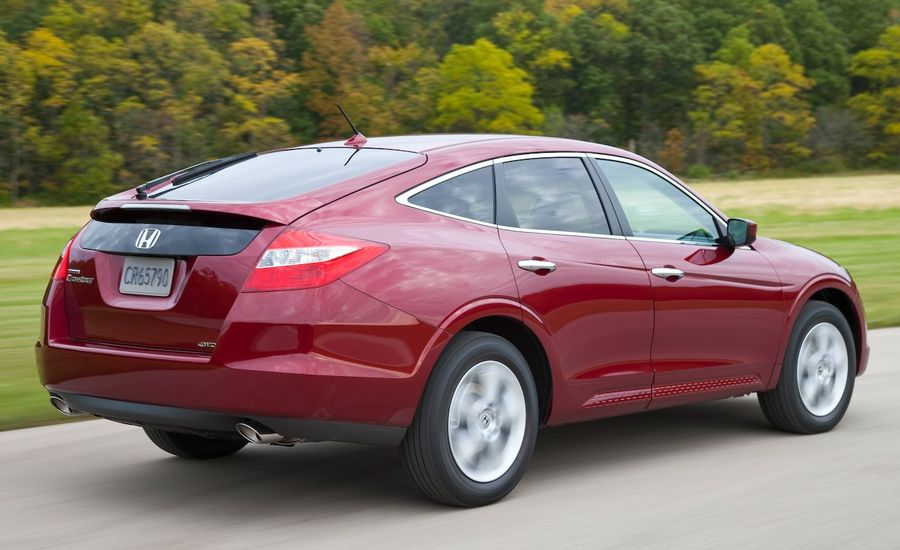 2010 honda accord crosstour 4wd instrumented test car and driver. Black Bedroom Furniture Sets. Home Design Ideas