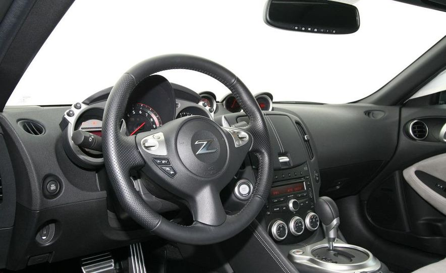 2009 Nissan 370Z coupe - Slide 33