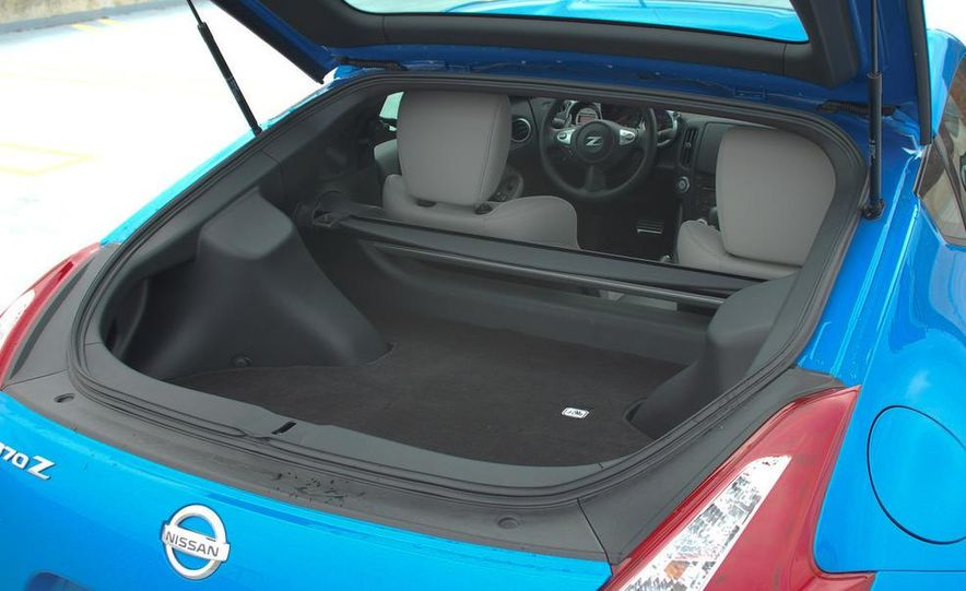 2009 Nissan 370Z coupe - Slide 29