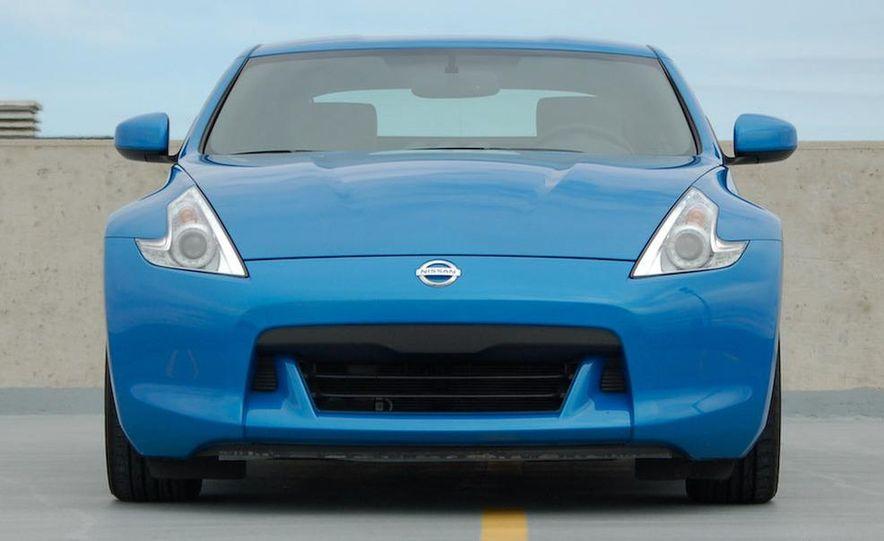 2009 Nissan 370Z coupe - Slide 20