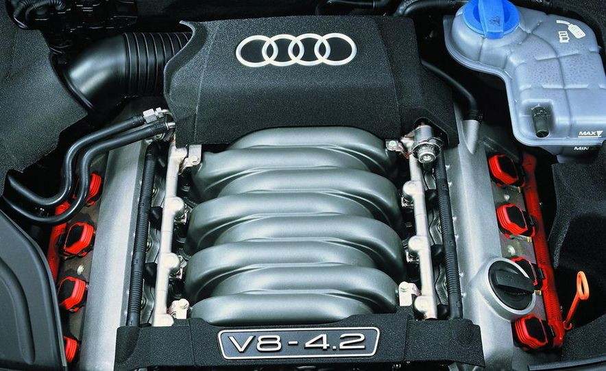 2005 Audi S4 Quattro sedan - Slide 27
