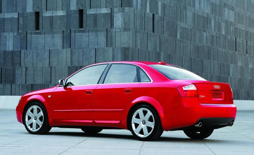 2005 Audi S4 Quattro sedan - Slide 4