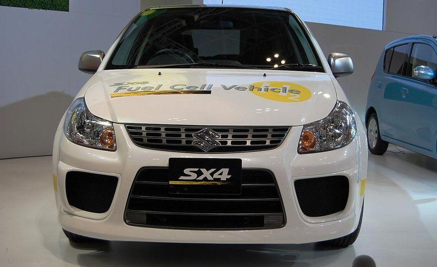 Suzuki SX4 FCV concept - Slide 1