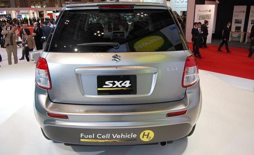 Suzuki SX4 FCV concept - Slide 6