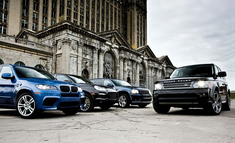 2010 BMW X5 M vs. 2009 Jeep Grand Cherokee SRT8, 2010 Land Rover Range Rover Sport Supercharged, 2009 Porsche Cayenne Turbo S