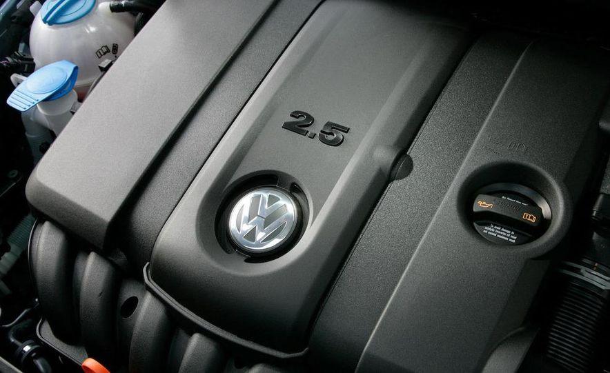 2010 Volkswagen Golf 2.5 - Slide 24