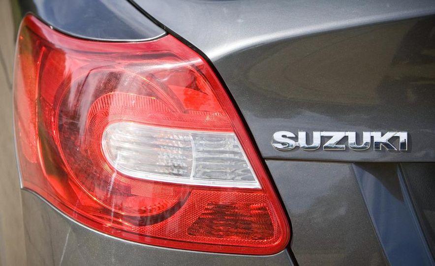 2010 Suzuki Kizashi - Slide 8