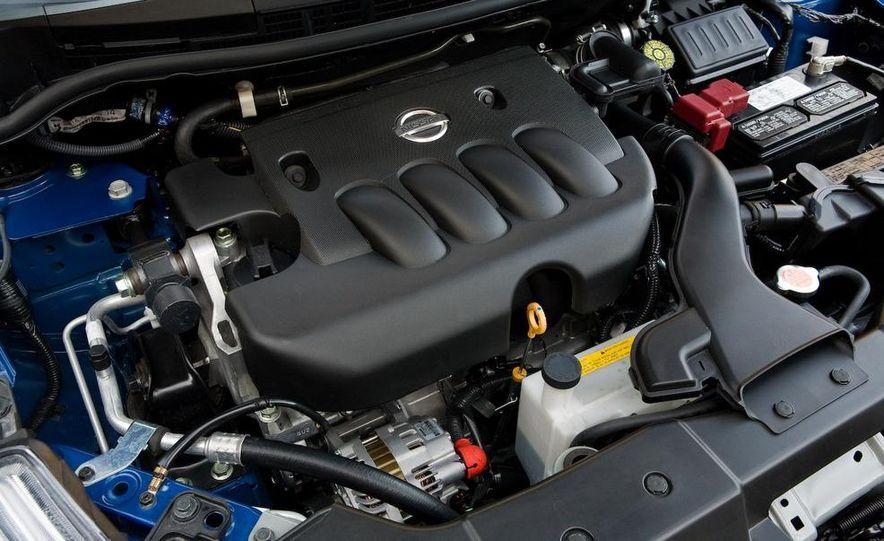 2010 Nissan Versa 1.8 SL hatchback - Slide 25