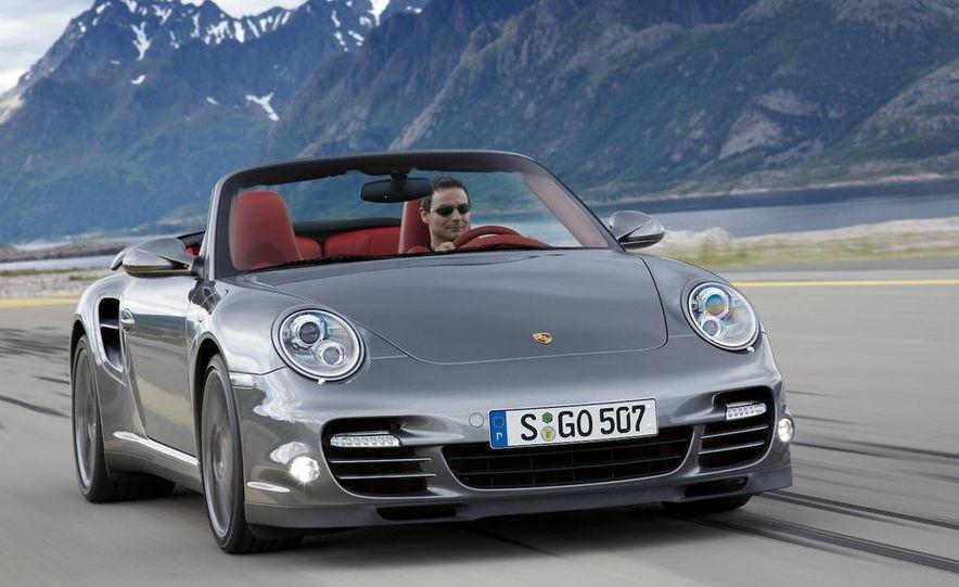 2010 Porsche 911 Turbo coupe - Slide 15
