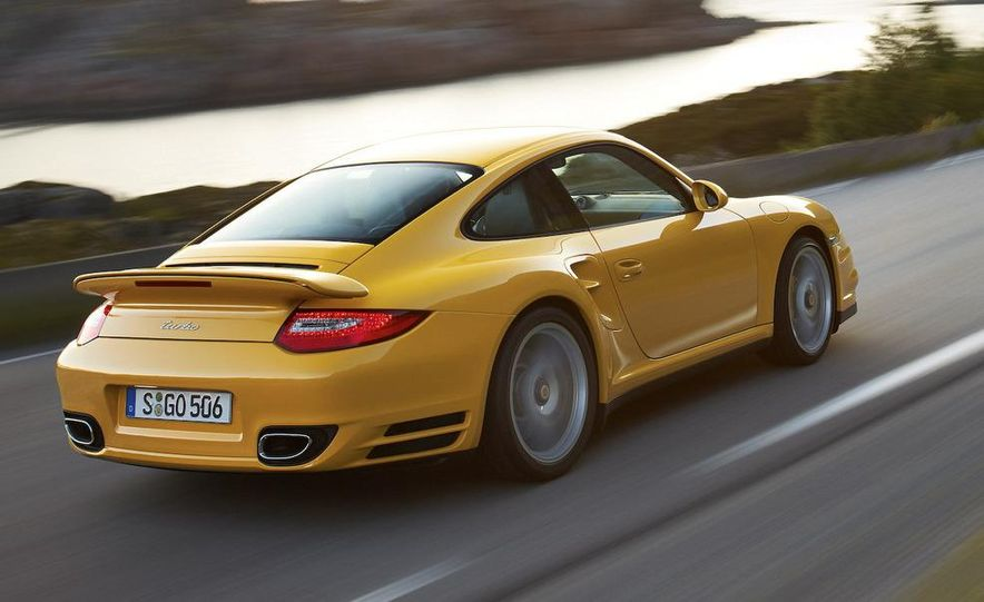 2010 Porsche 911 Turbo coupe - Slide 8