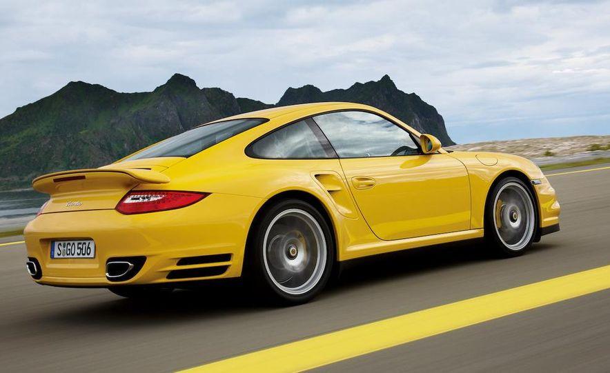 2010 Porsche 911 Turbo coupe - Slide 11