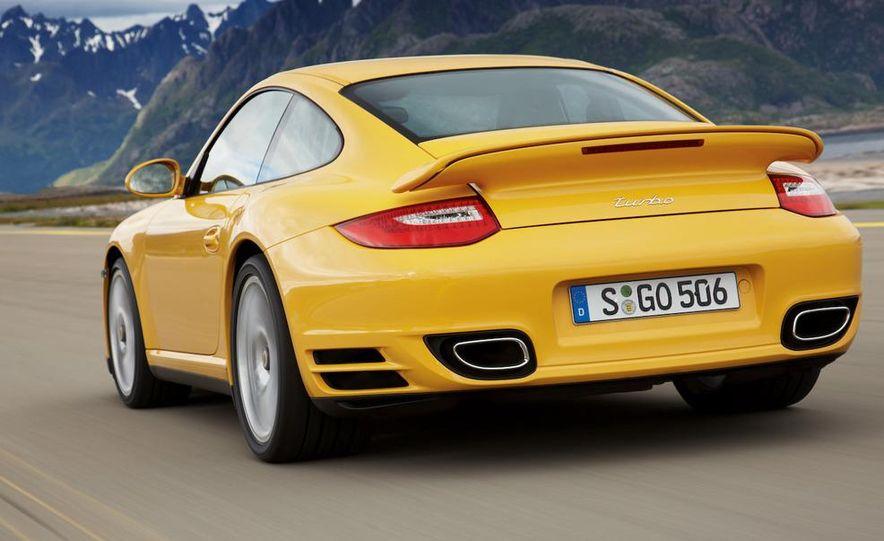 2010 Porsche 911 Turbo coupe - Slide 13