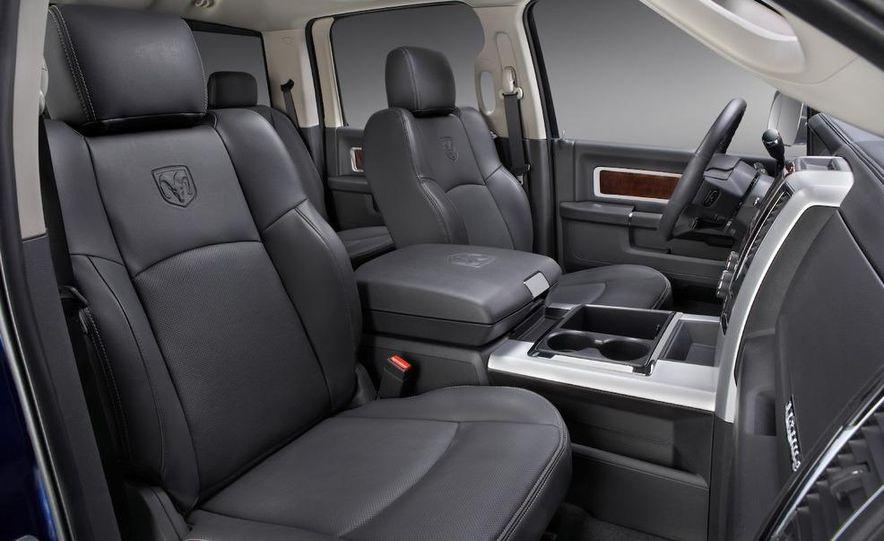 2010 Dodge Ram 3500 Heavy Duty - Slide 31