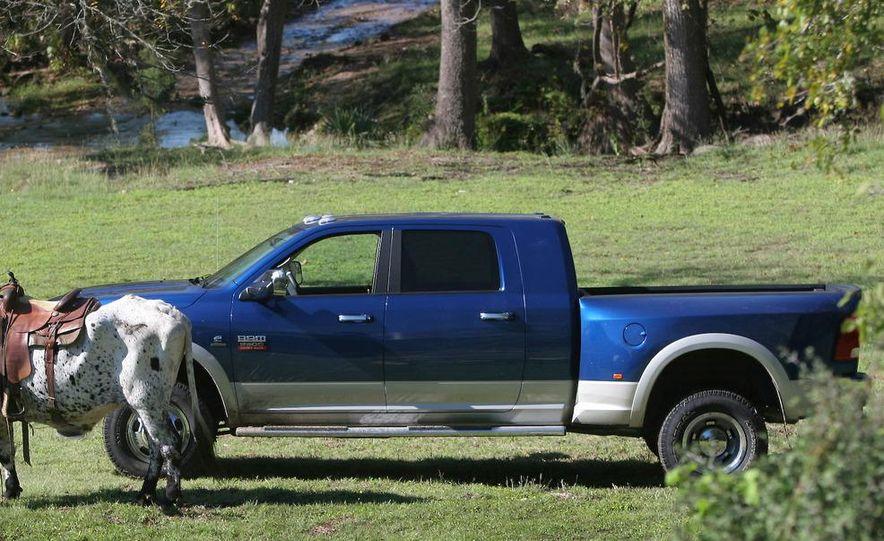 2010 Dodge Ram 3500 Heavy Duty - Slide 1