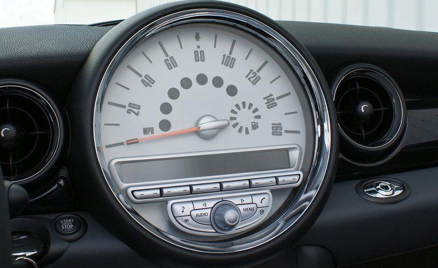2009 Mini John Cooper Works convertible - Slide 62