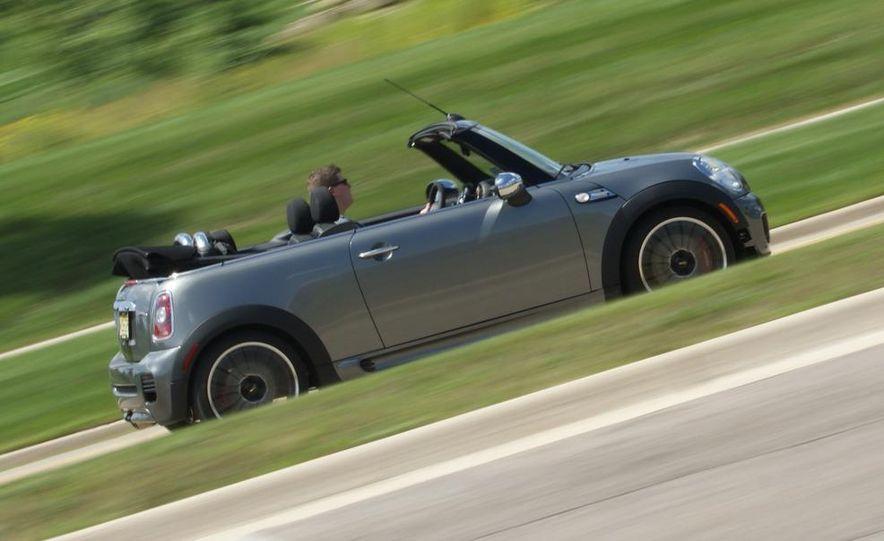 2009 Mini John Cooper Works convertible - Slide 22