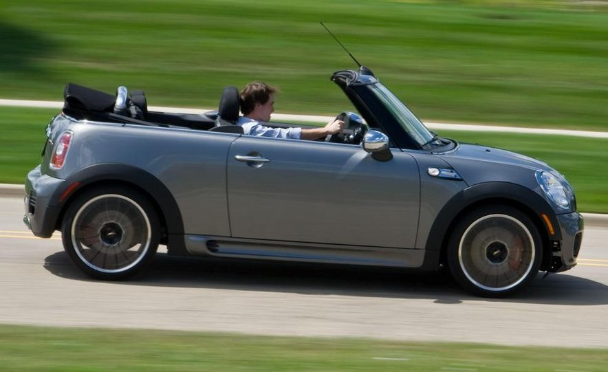 2009 Mini John Cooper Works convertible - Slide 23